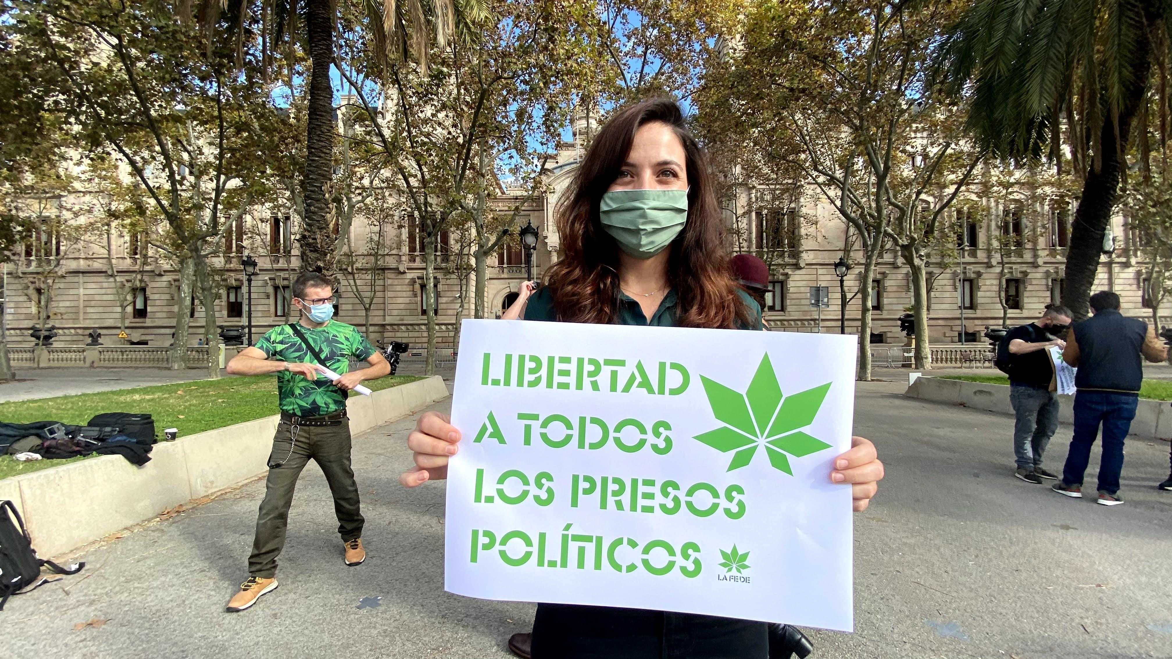 Exposición pública frente a los tribunales de barcelona